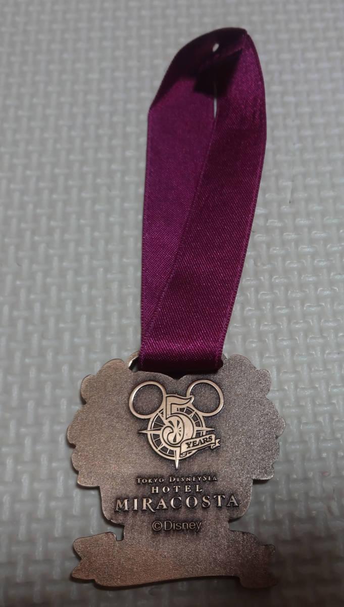 非売品 ディズニー シー ホテル ミラコスタ Season of the Heart ワインメダル 5周年 ハート レア_画像3