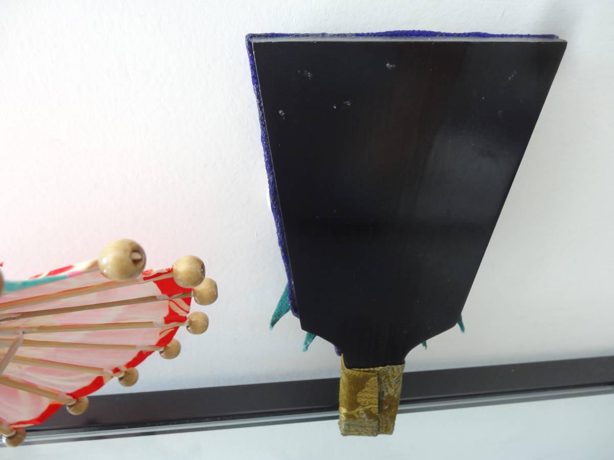 ハンドメイド ミニ和傘+縮緬細工 押絵羽子板 竹製 木製 ディスプレイ 和風 インテリア お正月飾り 踊り 日本舞踊 古布 着物 番傘 ドール傘_画像4