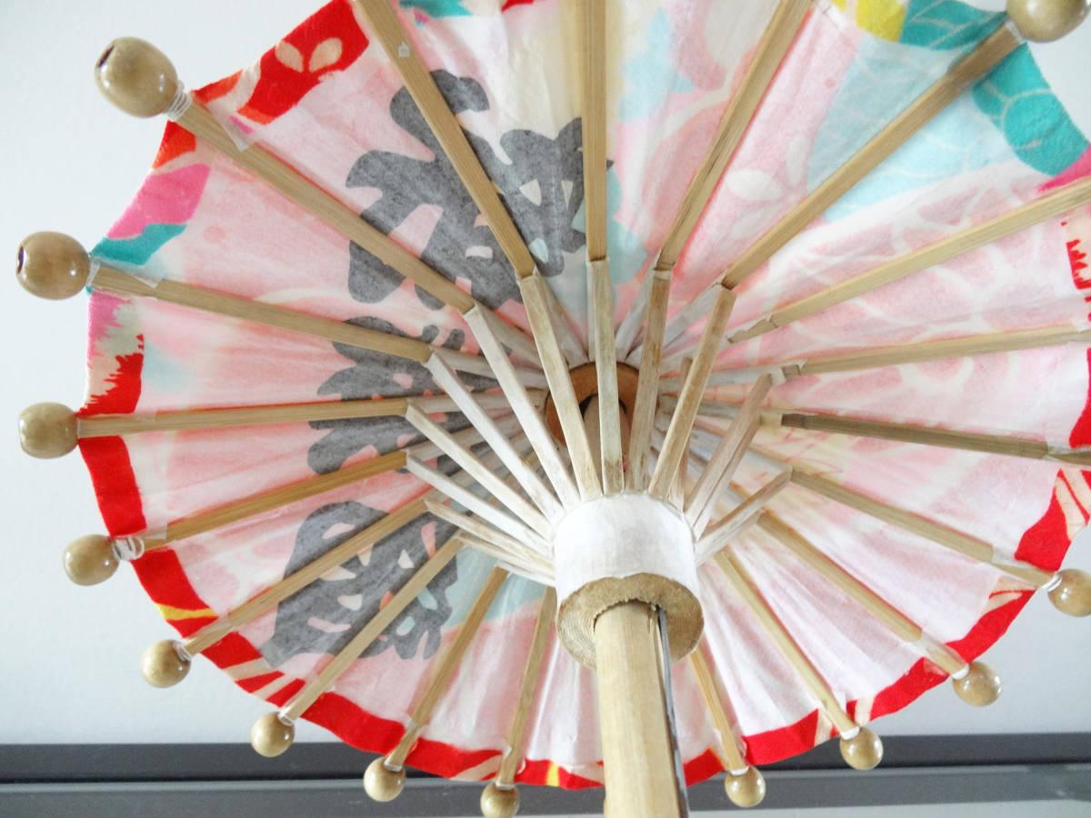 ハンドメイド ミニ和傘+縮緬細工 押絵羽子板 竹製 木製 ディスプレイ 和風 インテリア お正月飾り 踊り 日本舞踊 古布 着物 番傘 ドール傘_画像8
