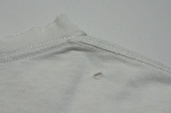 OLD STUSSY ステューシー USA製 恐竜プリント 半袖Tシャツ L 白/ヴィンテージ ビンテージ 80s 90s 黒タグ ダイナソー ティラノサウルス_後身頃右肩に穴ダメージ有り