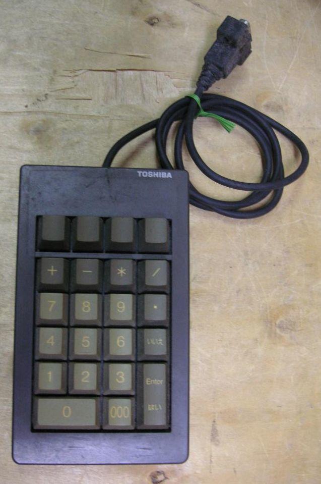 外付け 10キー キーボード 型名 KBU0150AZZ01 ジャンク_画像1