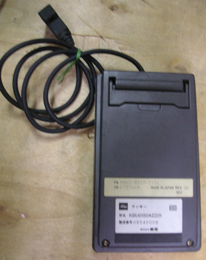 外付け 10キー キーボード 型名 KBU0150AZZ01 ジャンク_画像2