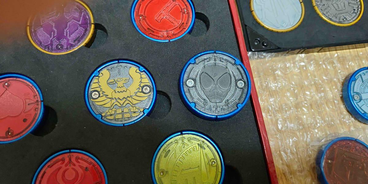 塗装済みコアメダル(ガチャ)全コンボ ガシャポン オーメダル(特装版)EXセレクション オーメダルホルダー 仮面ライダーオーズ_画像5