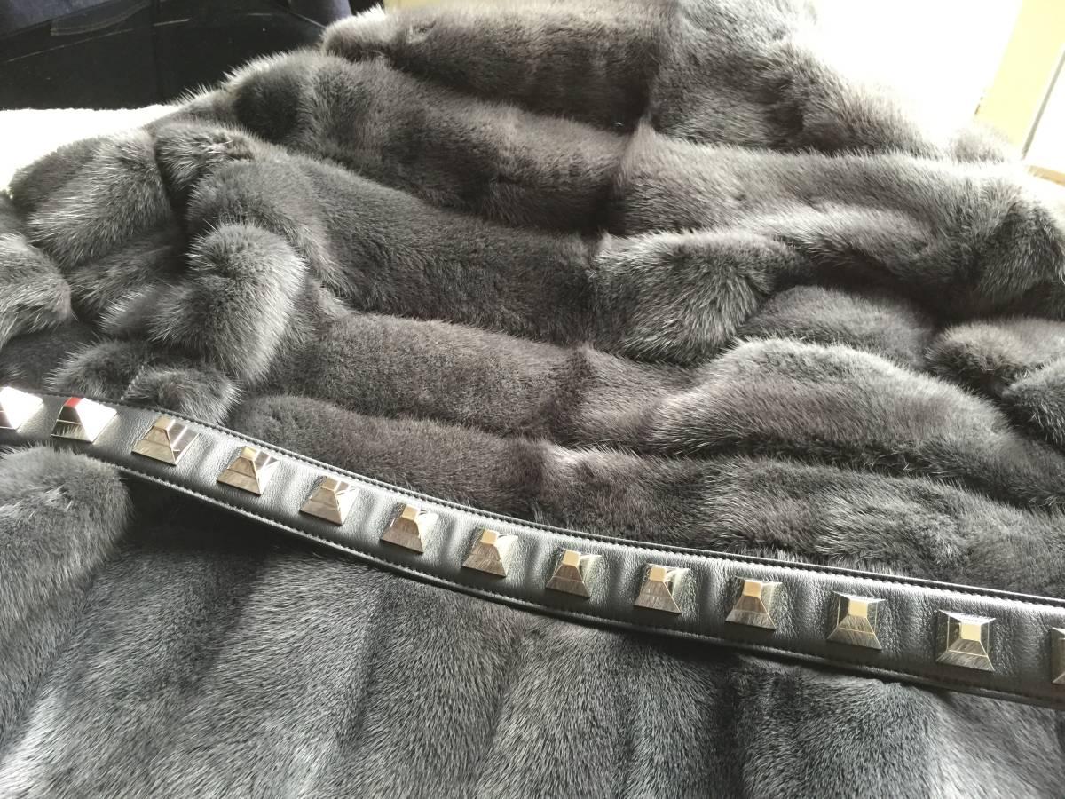 即決 極美品 FENDI フェンディ 最高峰 スタッズ装飾ベルト付 ミンクコート☆40サイズ グレー_画像4