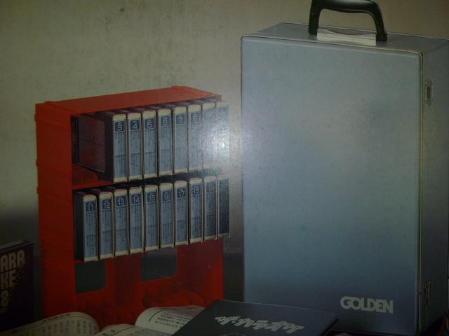 超お宝 8トラックステレオプレーヤー AC/DC 2電源 MADE IN JAPAN おまけに8トラックMUSICテープ20巻ケース付き_画像5