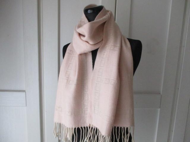◆本物 フェンディ 可愛い薄ピンクウールマフラー 美品◆