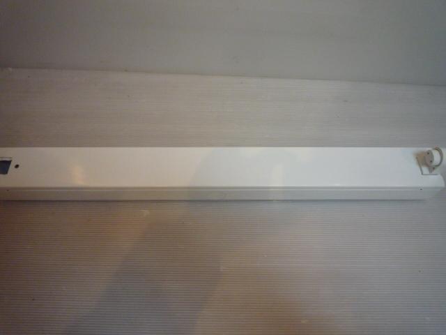 笠なし型照明器具 20W形 60Hz FA11032Z 1灯式 63㎝ 蛍光灯照明器具 ラビット式 National ナショナル Panasonic パナソニック _画像6