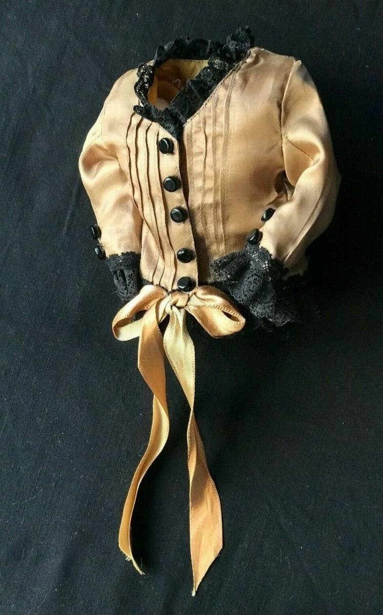 ビスクドール用ドレス 56cmの人形用 アンティークとヴィンテージの生地 イギリスの専門工房 スリムスタイル ファッションドールに最適_画像4