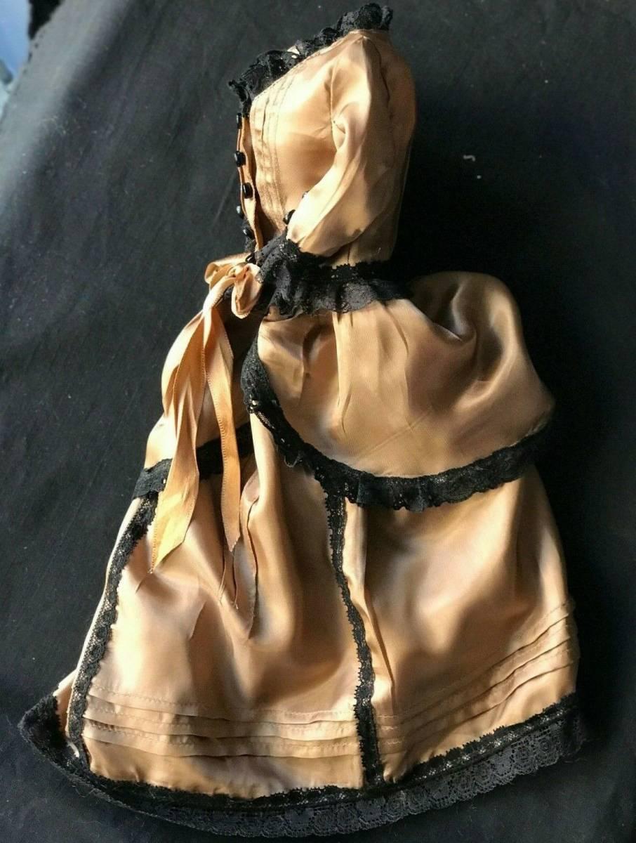 ビスクドール用ドレス 56cmの人形用 アンティークとヴィンテージの生地 イギリスの専門工房 スリムスタイル ファッションドールに最適_画像8