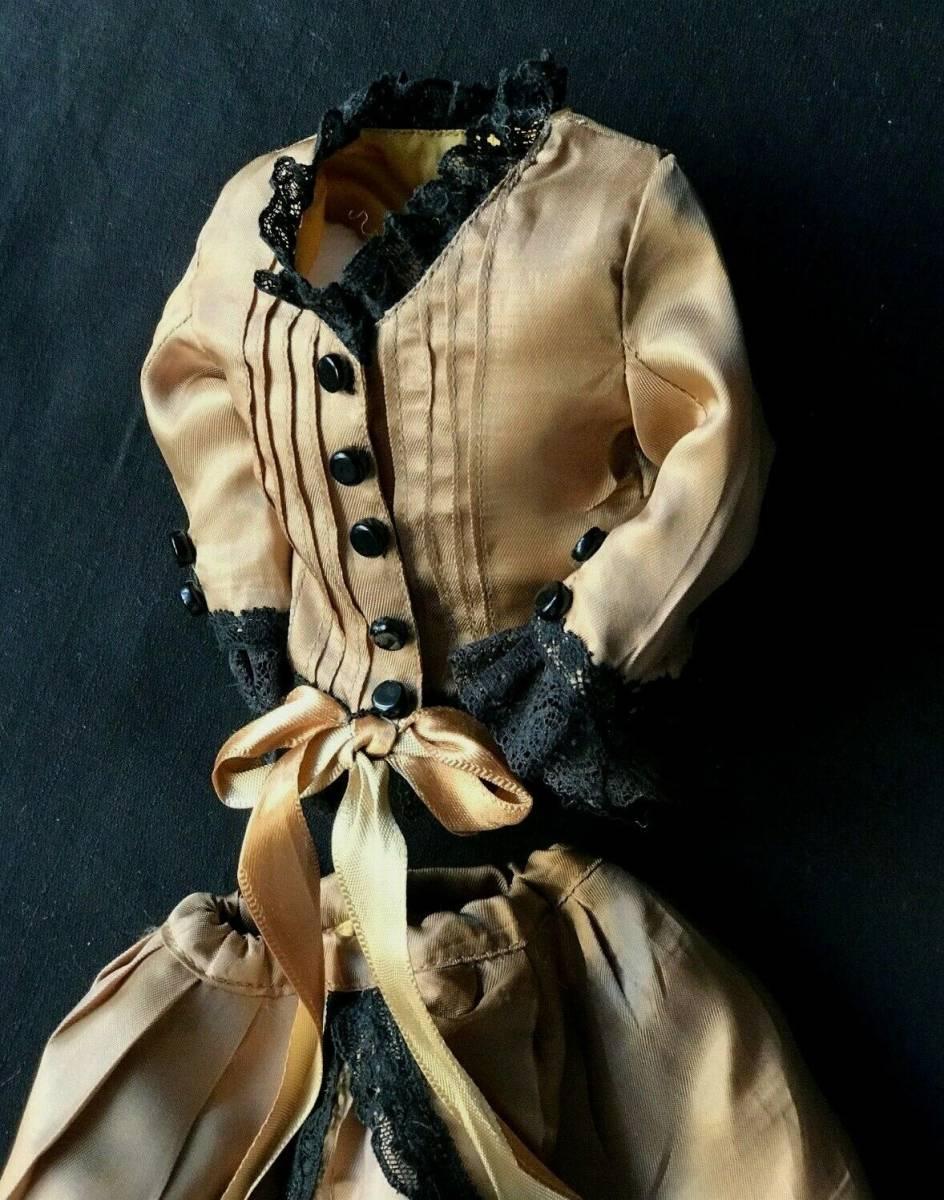 ビスクドール用ドレス 56cmの人形用 アンティークとヴィンテージの生地 イギリスの専門工房 スリムスタイル ファッションドールに最適_画像5