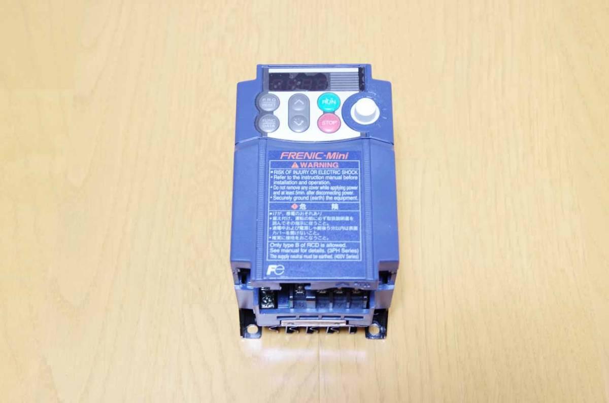 ★良品 富士電機 インバーター 3相 200V  FRN0.4C1S-2J 中古★_画像1