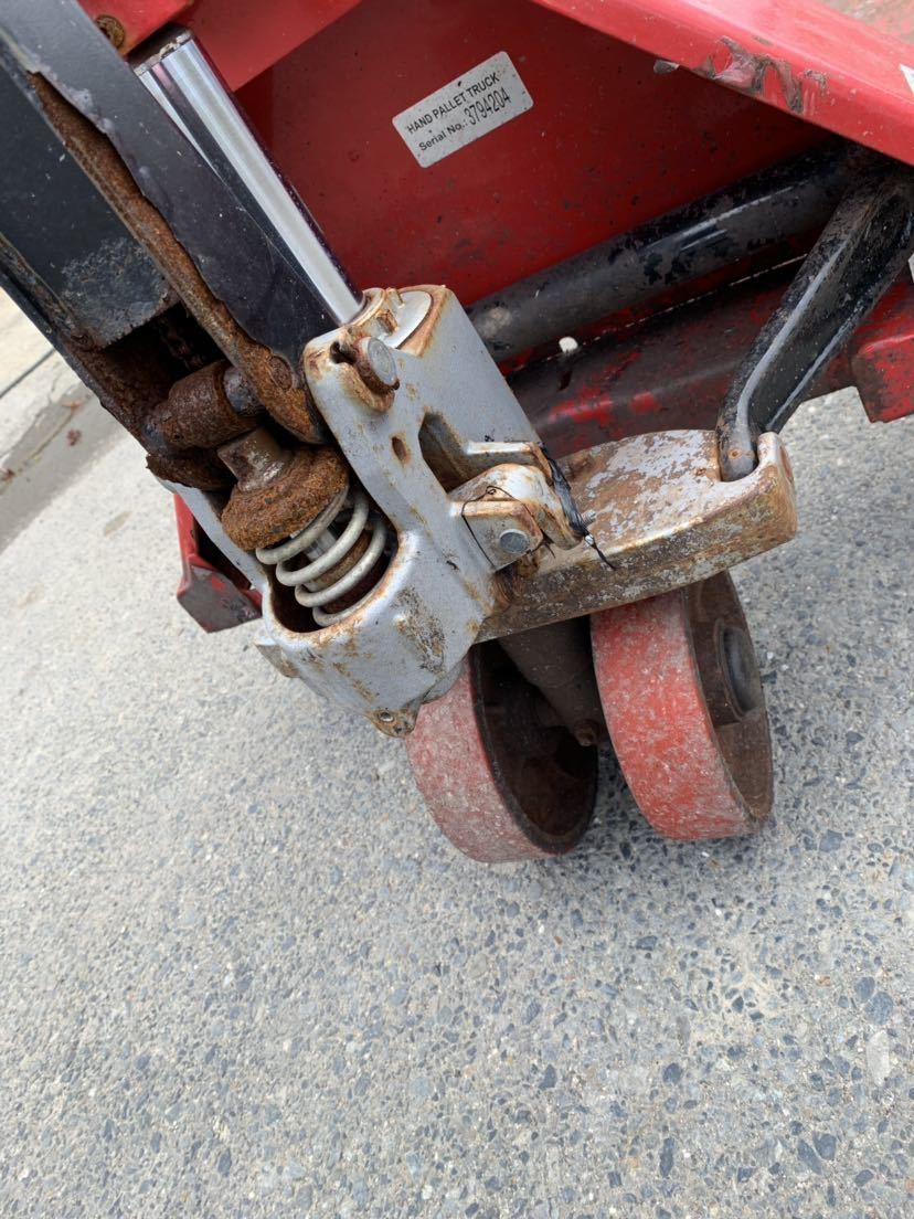 ハンドリフト ハンドフォーク 油圧式トラックハンドリフト パレットトラック 中古 倉庫作業 けん引車 台車 管理番号10407_画像5