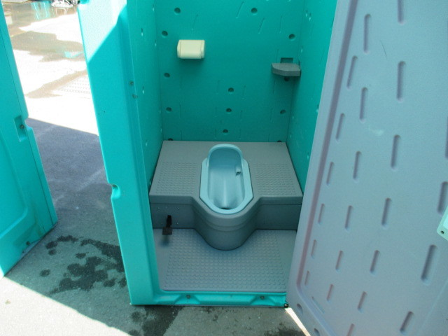 【福島 宮城】中古仮設和式トイレ 軽水洗 汲取り式 ペダル式 ・便槽付き 格安配送 工事現場 サイズ 870×1,485×2,592 現場 イベント_【福島 宮城】便槽も付けます。