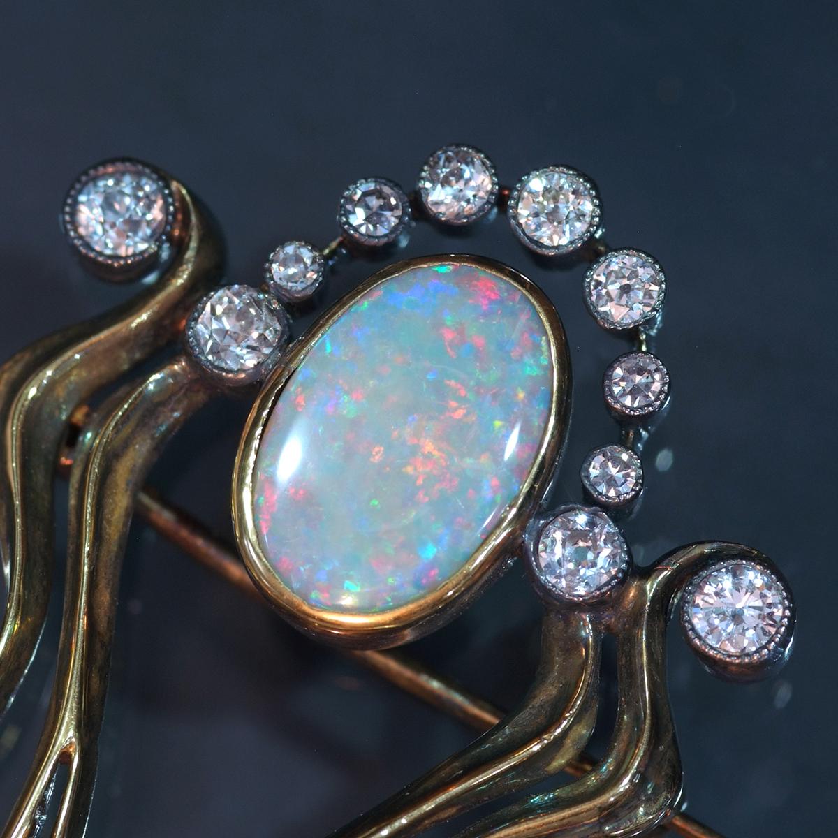 E9813【1900年頃】オパール 天然ダイヤモンド パール 最高級18金無垢アンティークセレブリティブローチ 重量15.38g 幅61.56×47.0mm_画像4