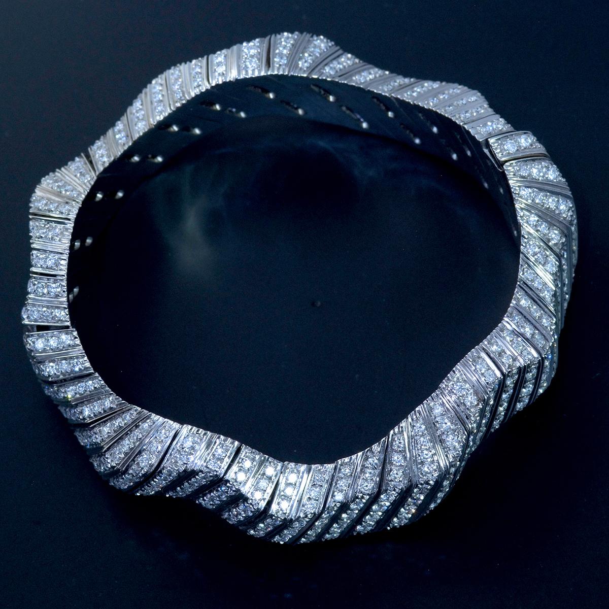 E9797 天然雲上ダイヤモンド7.84ct 最高級18金WG無垢セレブリティビッグバングル 腕周り16.5cm 重量81.94g 幅30.5mm_画像3