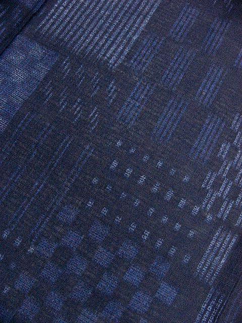 少し透ける 綿紅梅生地 男ゆかた L 濃紺色地・市松の小紋柄 新品_画像4
