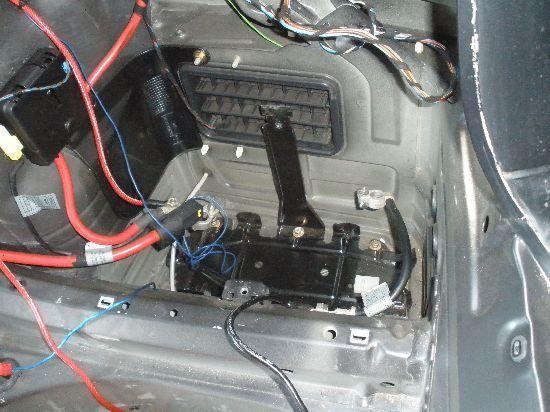 BMWセダンE46M3リア330iバッテリーキャリア318iバッテリーベース320i323i325i328iリヤ330CiトランクルームAV30クーペSMGカブリオレMスポ_画像2
