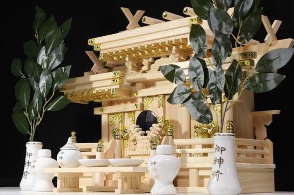 美しい、東濃桧 ■ 升組造り 屋根違い 中型 ■ マス組付 ■ 神棚セット_画像3