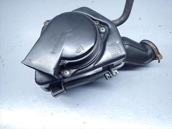 βAV04-2 スズキ グラストラッカー NJ4BA (H16年式) 純正 エアクリーナーボックス エアクリ 割れ無し!_画像3