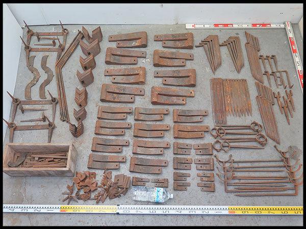 कुरआन हार्डवेयर कोहनी पॉट कोहनी सोना, आदि सामूहिक रूप से! Kurado धातु फिटिंग काज काज पुराने लोक उपकरण पुराने घर बर्तन सोने की आयु अवधि दरवाजा खोलने पुराने वास्तु लोहे के सदस्य [Kadoma शहर, ओसाका प्रान्त], प्राचीन, संग्रह और विविध वस्तुओं और अन्य