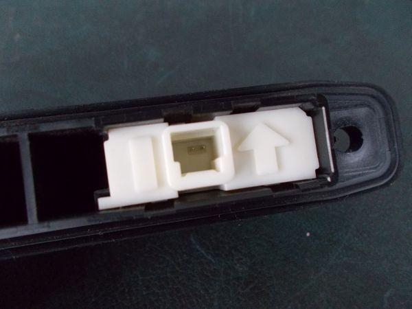 トヨタ プリウス Sツーリングセレクション G's ZVW30 - リアハッチオープンスイッチ(バックドアアウターハンドル) - 465-010-A_画像3