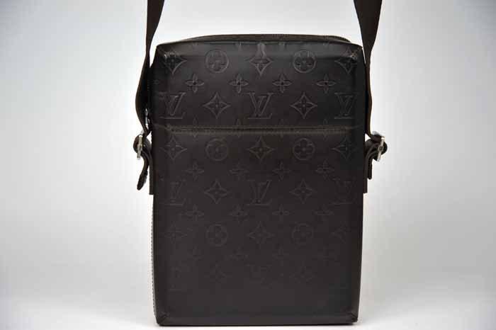 【使用わずか 極美品】ルイヴィトン Louis Vuitton モノグラムグラセ ボビー ショルダーバッグ メンズ レザー 定価約13万 820_画像8