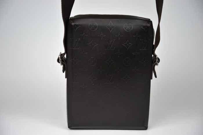 【使用わずか 極美品】ルイヴィトン Louis Vuitton モノグラムグラセ ボビー ショルダーバッグ メンズ レザー 定価約13万 820_画像9