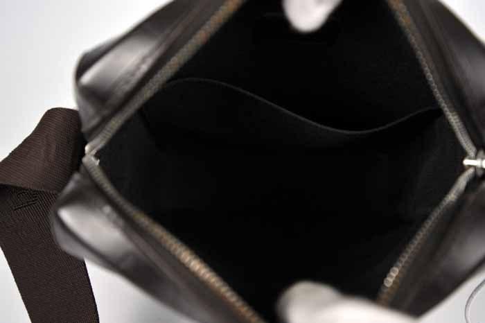 【使用わずか 極美品】ルイヴィトン Louis Vuitton モノグラムグラセ ボビー ショルダーバッグ メンズ レザー 定価約13万 820_画像10
