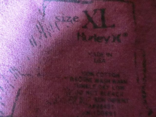 USA購入 MADE IN USA 【Hurley】 ハーレー ロゴプリントTシャツUS XLサイズ エンジ_画像5