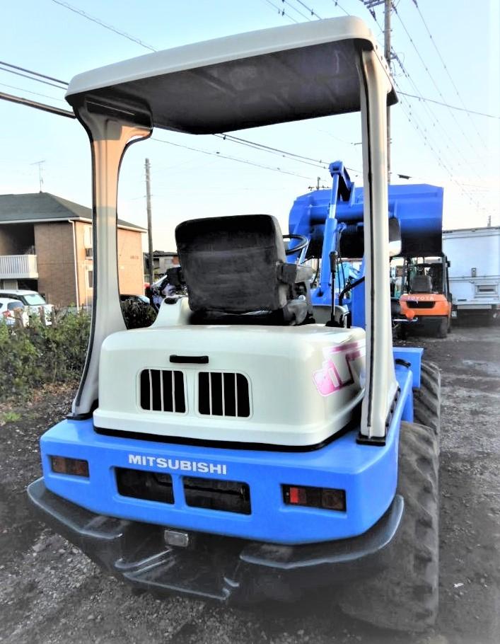 「*使用時間が少ない* ホイルローダー 中折れ タイヤショベル  ショベルローダー  ジョブサン  ボブキャット 除雪 農機  程度良好」の画像3