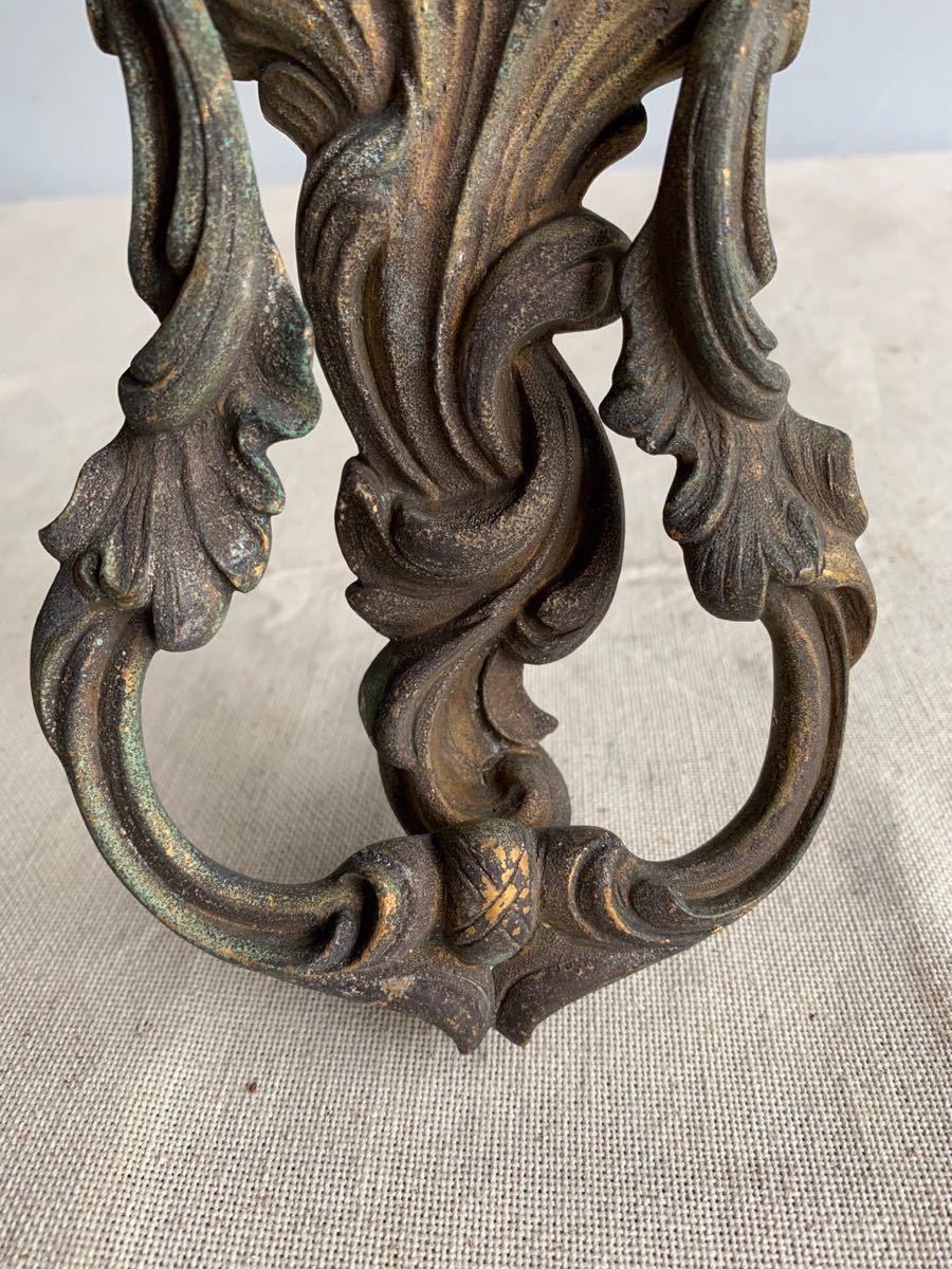 装飾が素敵な真鍮製ドアノック 壁オブジェデコレーション蚤の市ヴィンテージ店舗什器ドアパーツアンティークインテリアディスプレイ彫刻_画像4