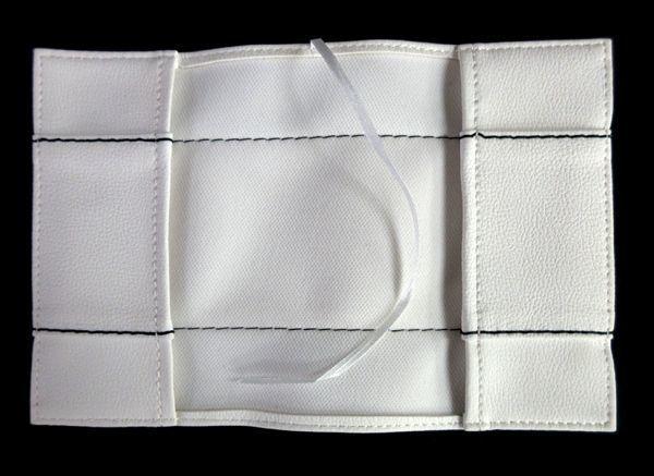 ブックカバー 黒・白・赤 フェイクレザー 文庫本サイズ3点セット_画像3