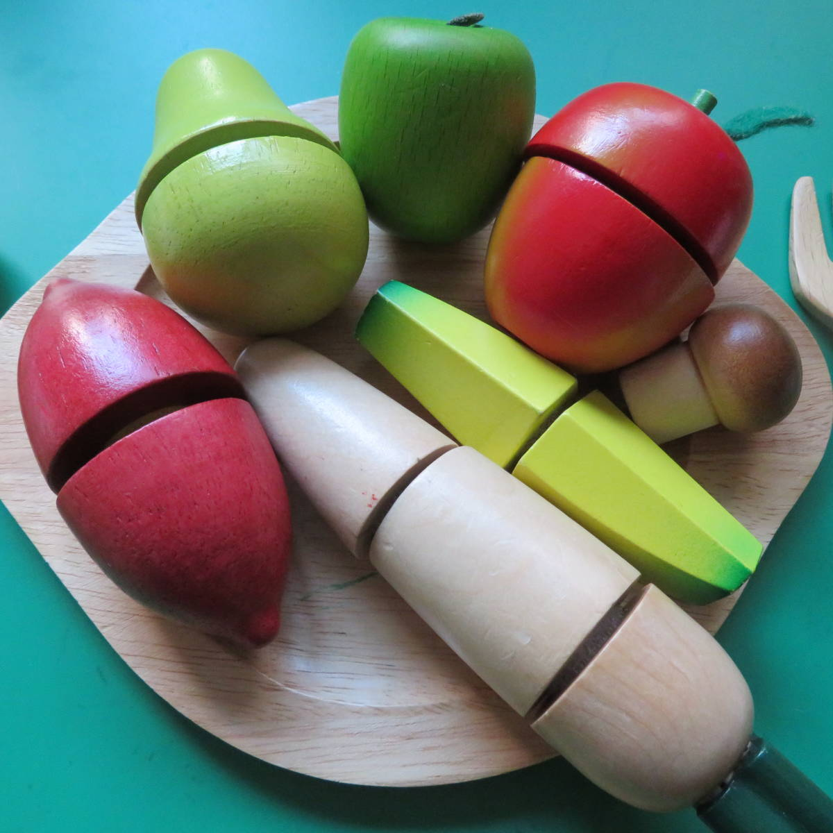 ★USED★ ACTUS KIDS 木製 おままごと 果物 野菜 オブジェ 木製 サクサク 切れる 食材 フルーツ ボーネルンド 知育 食育