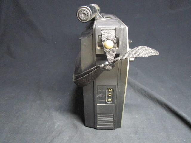 禁煙環境で保管 昭和レトロ 懐かしのBCLラジオ 深夜放送の友 ナショナル クーガ RF-1150 少々難ありも完動品_画像3