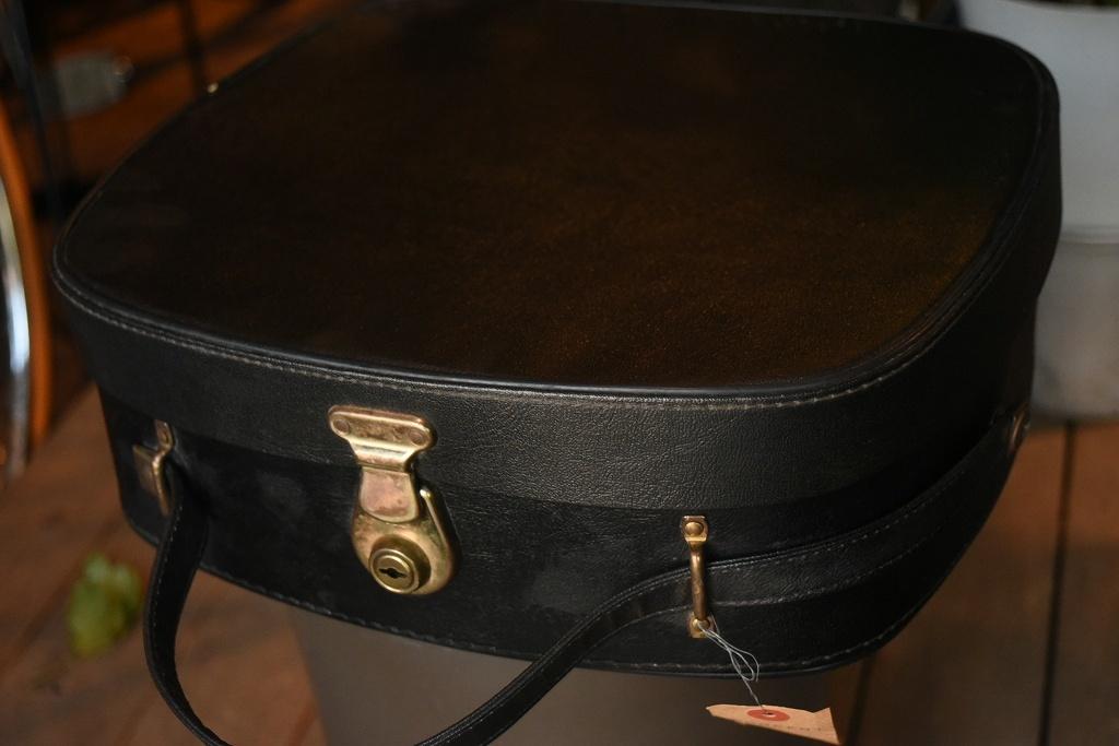 2268 ヴィンテージ トランクケース 革鞄 英国製 アンティーク ビンテージ  フランス イギリス レトロ 旅行 トラベルケース_画像1