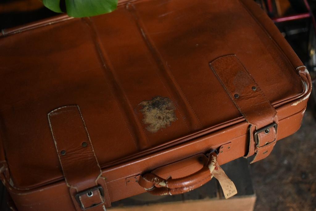 686 ヴィンテージ トランクケース 革鞄 英国製 アンティーク ビンテージ  フランス イギリス レトロ 旅行 トラベルケース_画像3