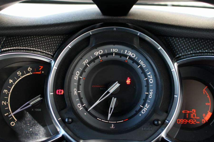 【年末年始特別価格!!】H24年シトロエン DS3 スポーツシック《ワンオーナー車》6MT 不具合無 予備検2年付_画像10