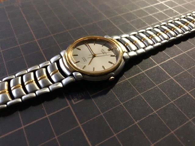KK1035 美品 稀少 超レア ヴィンテージ CITIZEN/シチズン EXCEED エクシード コンビ 5639-F60935 純正SSブレス クオーツ メンズ 腕時計_画像4