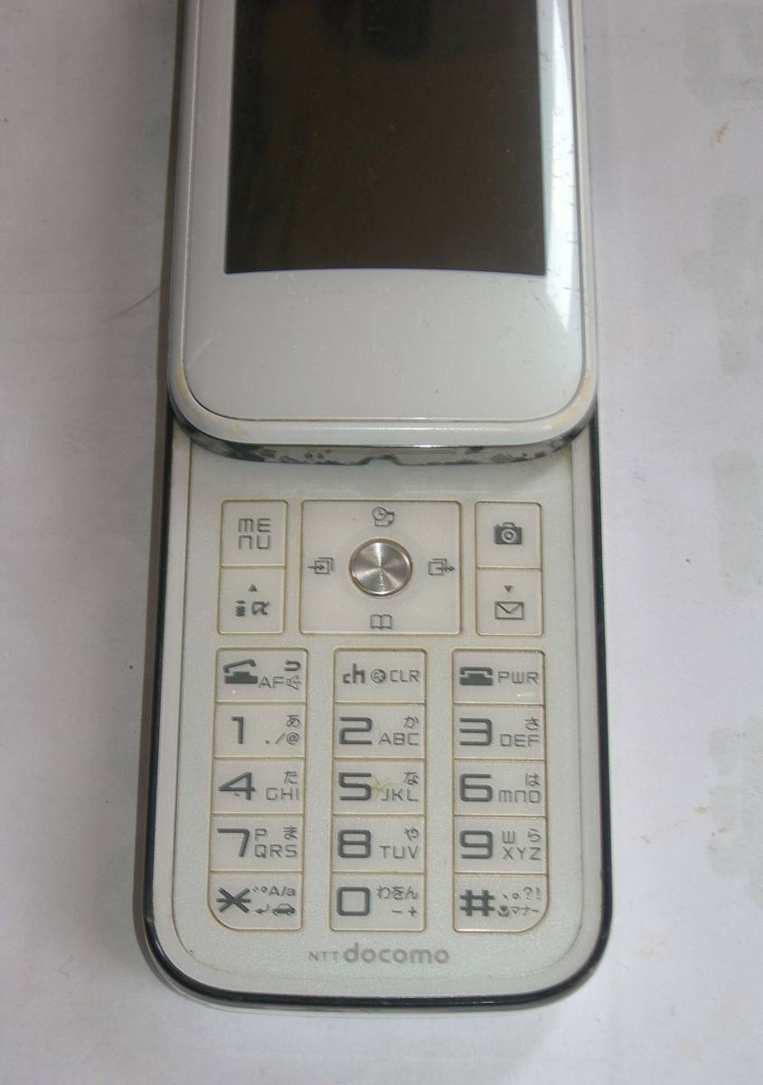 @特価でGO!NTTドコモ FOMA 携帯電話/ガラケー 富士通F-03A+電池F10 難ありジャンク_画像2