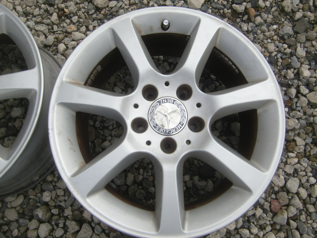 ベンツ Cクラス (W203) 純正 16インチ 4本セット 中古になります。 冬タイヤ用にいかがですか~~ スタットレス タイヤ RONAL_画像3