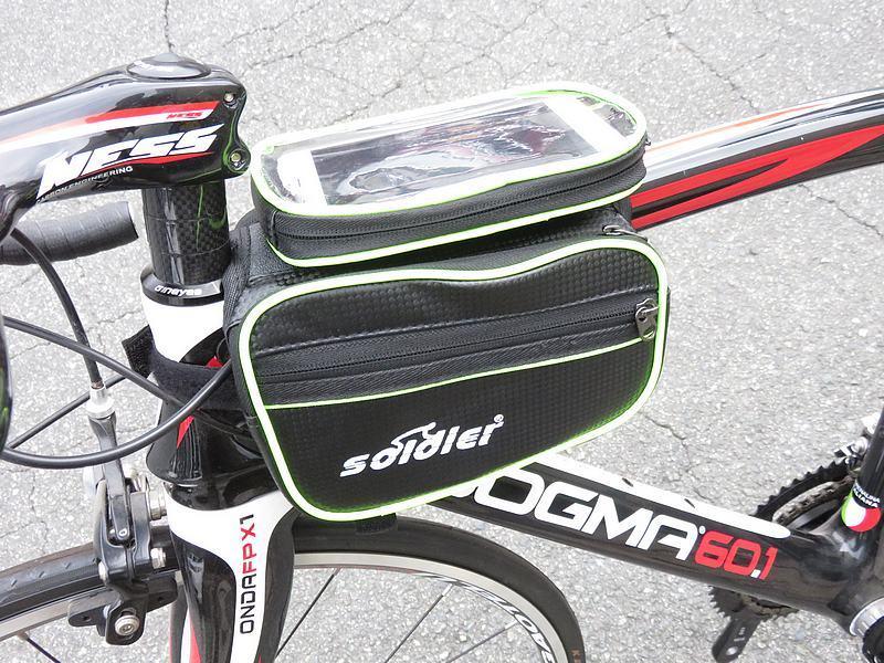 送料無料 自転車用 サイクル バッグ フレームバッグ カーボン調 5.5インチまで対応 スマホケース付 ロードバイク クロスバイク ピスト_画像4