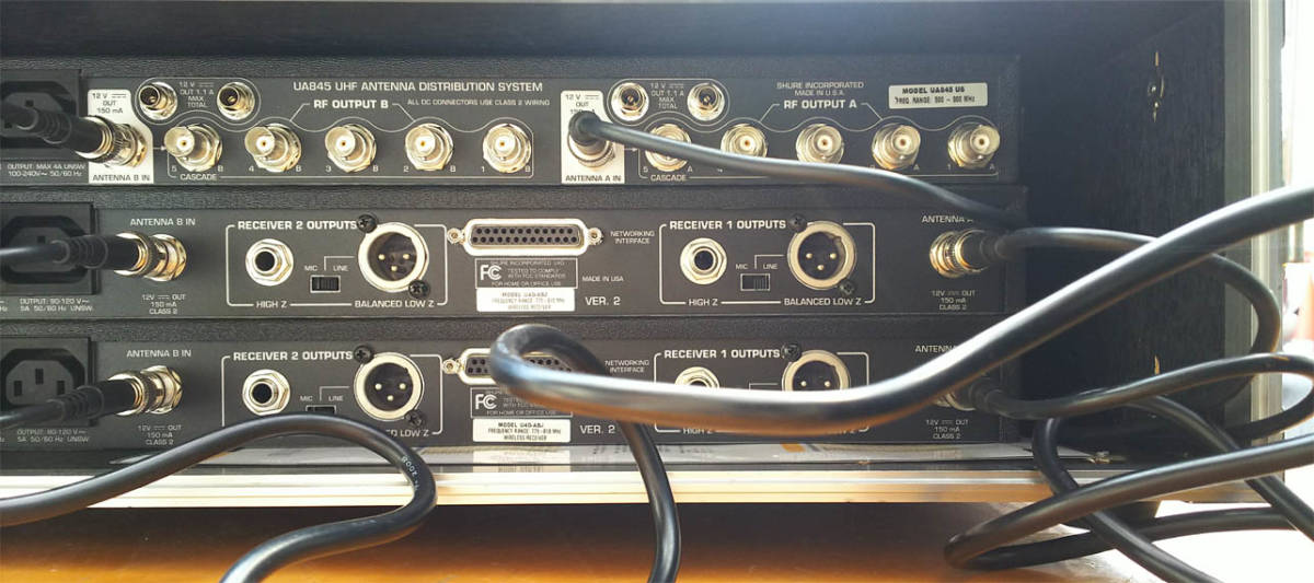 SHURE A帯ワイヤレスマイク  U4D-ABJ A/B帯受信機1台 U1-A24トランスミッター セット 中古品 _画像5