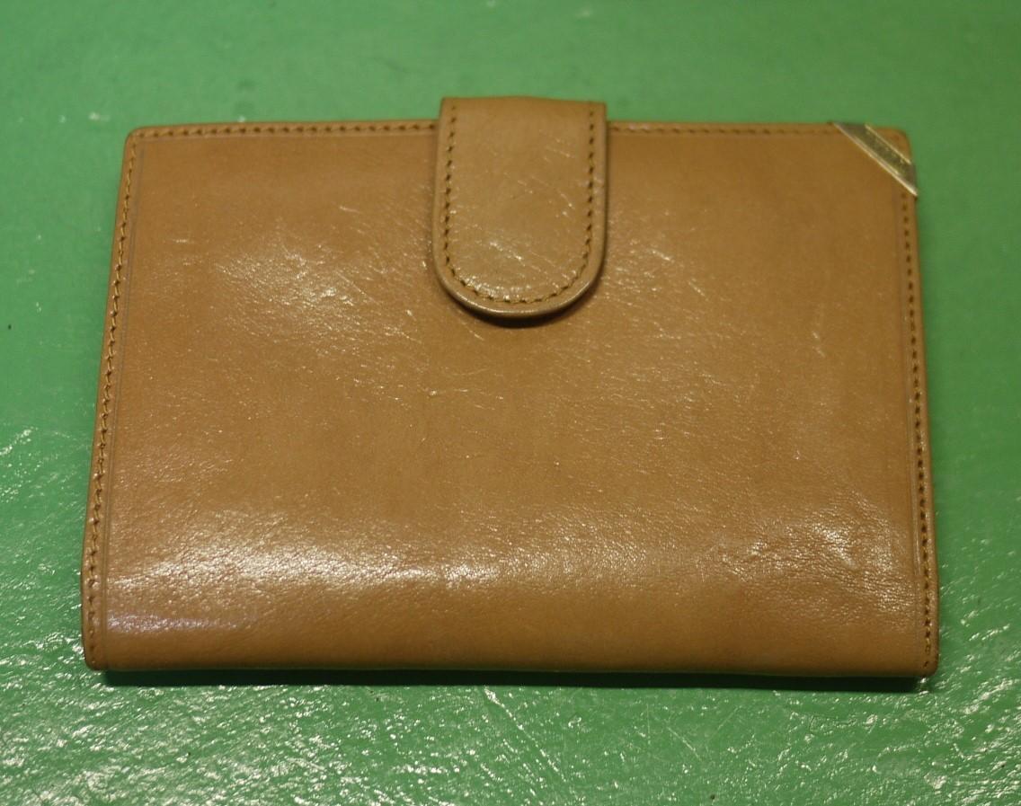 イタリア製 イサンティ i Santi 二つ折り財布 がま口 収納多数_画像1