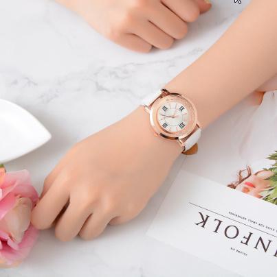箔押し腕時計 ラインストーンレザーブレスレット腕時計 女性ファッションウォッチレディース合金アナログクォーツ k-550_画像1