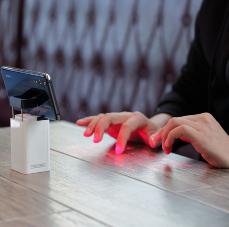 A245 Bluetooth USB ワイヤレス投影ミニキーボード 仮想レーザープロジェクター【新品未使用】携帯電話 PC 充電器 スマホパッド マウス機能_画像2