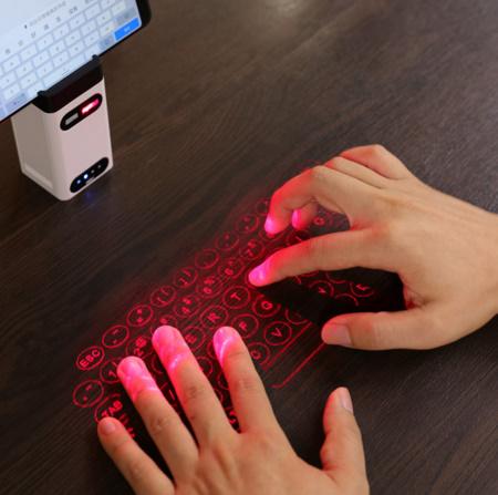 A245 Bluetooth USB ワイヤレス投影ミニキーボード 仮想レーザープロジェクター【新品未使用】携帯電話 PC 充電器 スマホパッド マウス機能_画像1