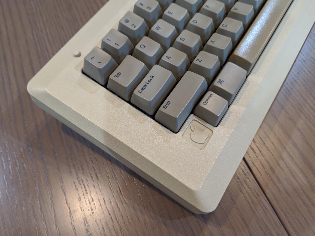 Apple Macintosh 128K ショートキーボード 超レア品 Bluetooth_画像3