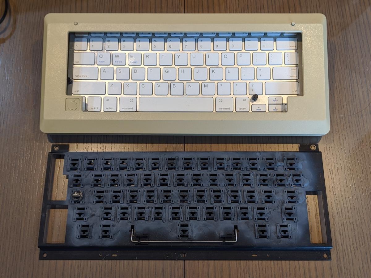 Apple Macintosh 128K ショートキーボード 超レア品 Bluetooth_画像6