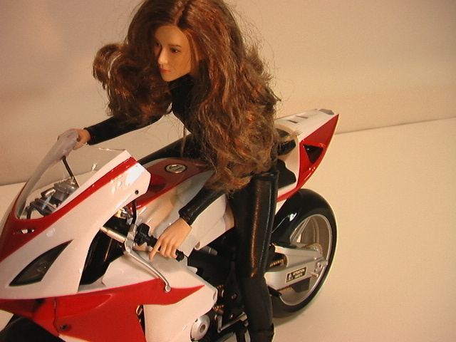 1/6スケール オートバイと美人ライダーの組み合わせ_画像3
