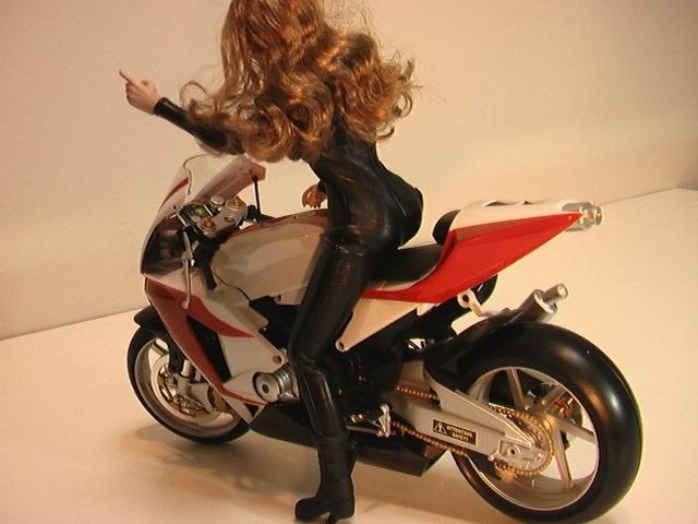 1/6スケール オートバイと美人ライダーの組み合わせ_画像2